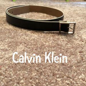 Calvin Klein Black/White Belt Medium